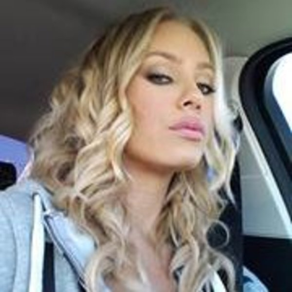 nicole aniston realnicoleaniston instagram photos and videos hot naked babes. Black Bedroom Furniture Sets. Home Design Ideas