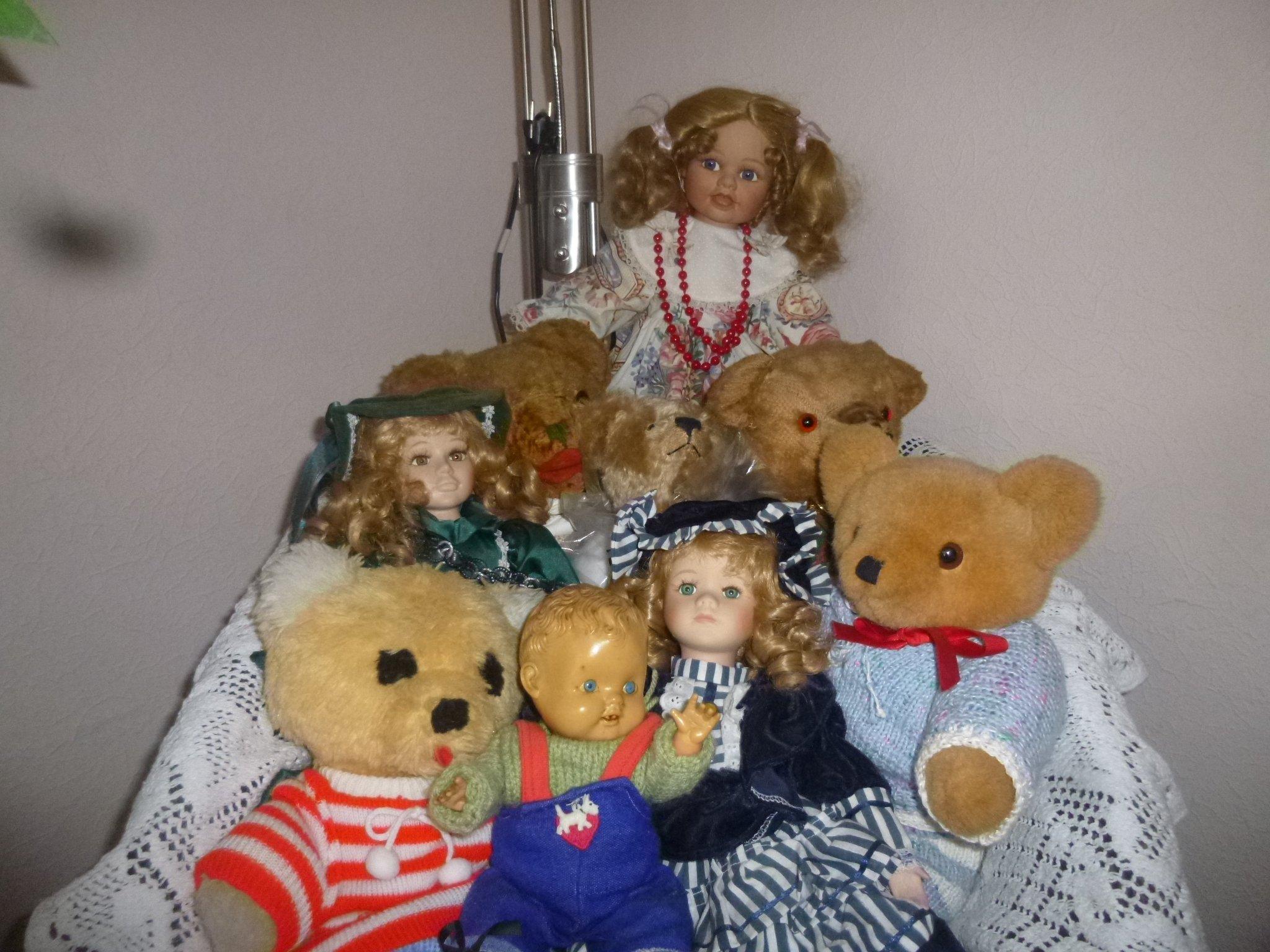 Puppen + Teddys