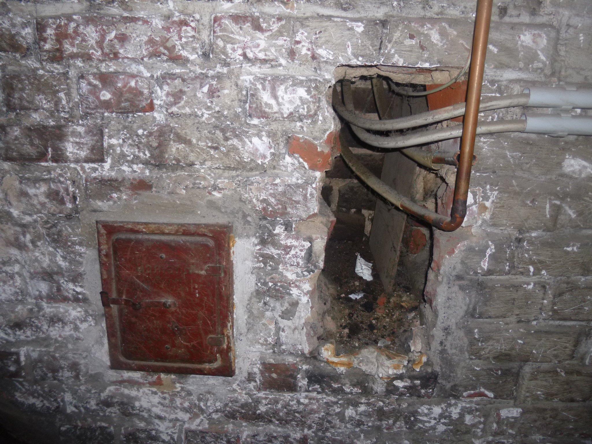 Öffnungen in der Kellerwand